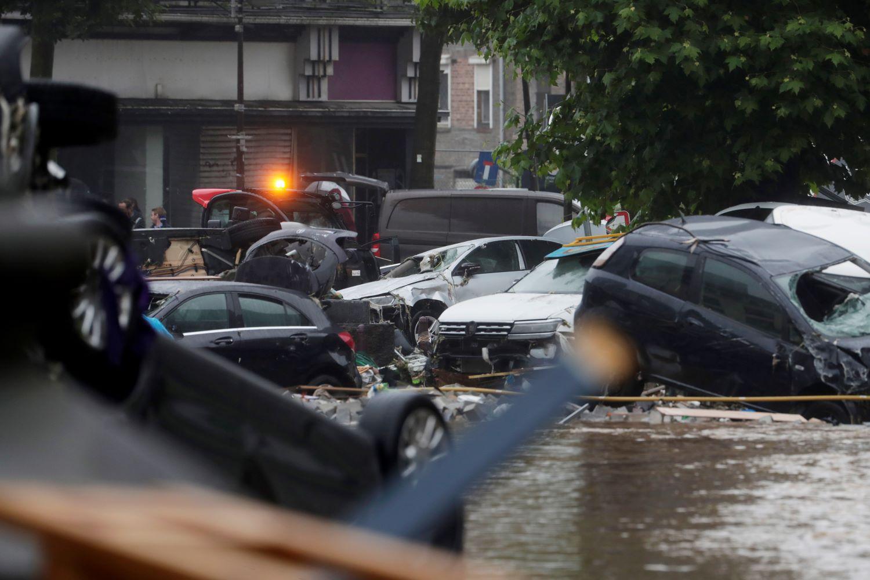 Απίστευτες εικόνες από τις πλημμύρες στη Γερμανία – Συγκλονισμένη η Μέρκελ  (vids) | Debater
